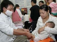 32 trẻ nhập viện: Phản ứng thông thường của vắcxin?